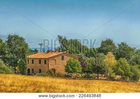 Idyllic Rural Tuscan Landscape With Farmhouse, Italy, Europe