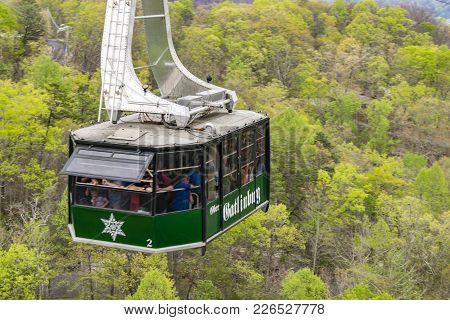 Gatlinburg, Tn; April 16, 2017: Ober Gatlinburg Cable Car Traveling Down Mid-air.