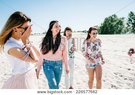 Beautiful Stylish Happy Sexy Slim Young Girls Is Go Sand Beach. Hands Decorated Buttonhole, Butonier