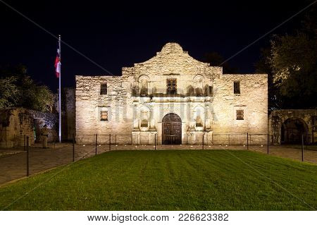 San Antonio, Texas - November 27, 2017 - Front View Of The Alamo. The Alamo Was Founded In The 18th