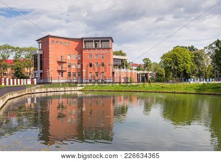 Kaliningrad. Russia - August 1, 2017: Embankment Of The Pond Poplavok