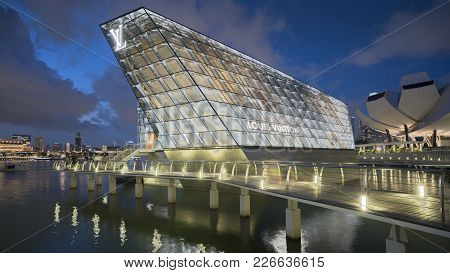 Singapore - October 6,2017: The Futuristic Building Of Louis Vuitton Shop In Marina Bay, Singapore.