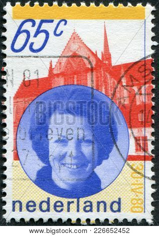 Netherlands - Circa 1981: A Stamp Printed In The Netherlands, Shows Queen Beatrix, Circa 1981