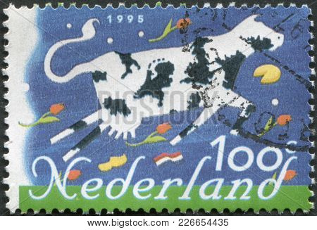 Netherlands - Circa 1995: A Stamp Printed In The Netherlands, Shows A Cow, Dutch Products, Circa 199
