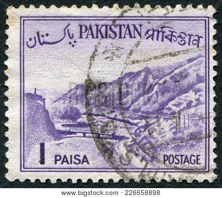 Pakistan - Circa 1961: A Stamp Printed In The Pakistan, Depicts The Khyber Pass, Circa 1961
