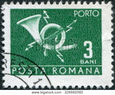 Romania - Circa 1967: A Stamp Printed In The Romania, Shows A Postal Horn And Lightning, Circa 1967