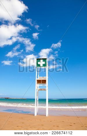 the lifeguard tower on the beach