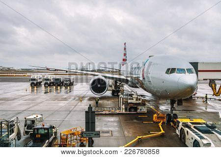 London, United Kingdom - December 25, 2017 : Airplane Of American Airlines Being Serviced At The Lon