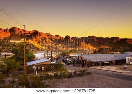 Oatman, Arizona, Usa - December 28, 2017 : Sunset In Oatman On The Historic Route 66. This Former Mi