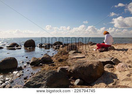 Ruegen Island,germany: September 26 ,2015: Evening On The Dramatic Coast In Binz, Ruegen Island, Ger