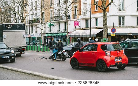 Paris, France - Jan 30, 2018: Street Accident On Paris Street Between Luxury Limousine Lancia Thesis