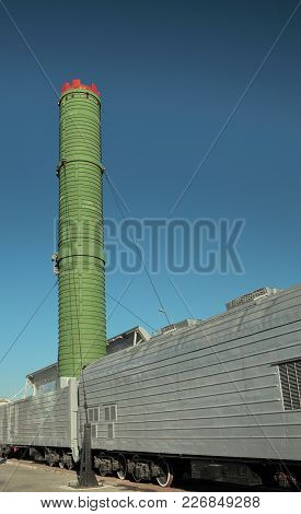 Wagon Launcher Ballistic Missile.missile Weighing 104800 Kg In The Launch Container, Height 21.9 M