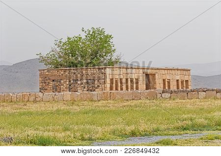 Mozaffarid Caravansarai Ruins, Part Of The Old Archaeological Site Near The Tomb Of Cyrus The Great,