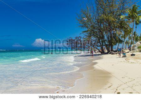 Bavaro, Dominican Republic - April 30, 2013: Unidentified Tourists At The Beach In Bavaro, Dominican