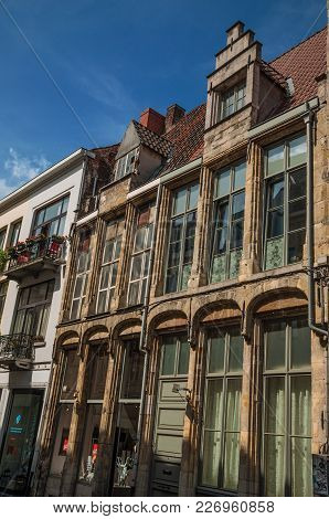 Ghent, Belgium - July 03, 2017. Building Shop Facade And Blue Sky In The City Center Of Ghent. In Ad