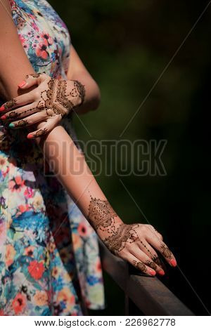 Henna Tattoo Design On Hands. Beautiful Indian Mehendi Ornaments Painted On A Body Part