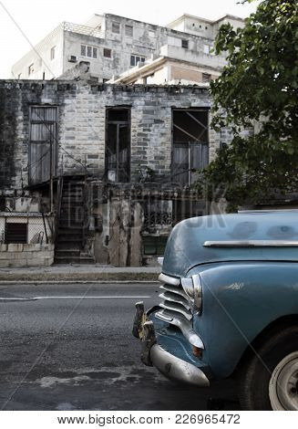 Cuba, Havana. The Old Destroyed Building On One Of The Central Streets