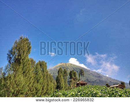 The Sindoro Mountain Scene From Below With Clear Weather Is Clearly Visible