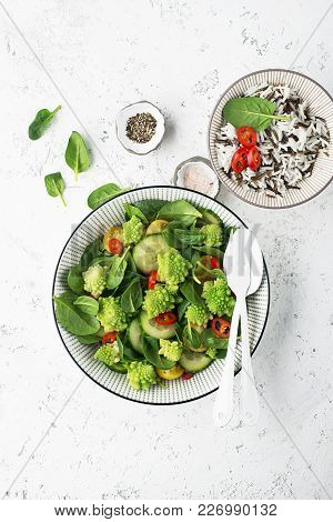 Romanesco Broccoli With Spinach, Cherry Tomatoes Yellow, Hot Red Pepper Pepper Salad With Wild And B