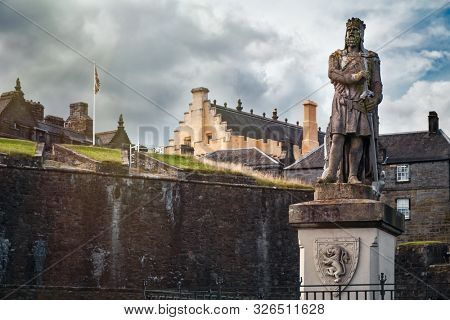 STIRLING,UK - AUGUST 16,2019 : Ancient statue of Robert the Bruce at Stirling Castle in Scotland