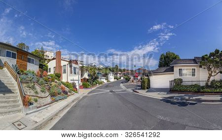 Los Angeles, Usa - March 5, 2019: Beautiful Living Area In Crenshaw. Crenshaw District, Is A Neighbo