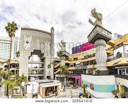 Los Angeles, Usa - March 5, 2019: Hollywood And Highland Complex With Shops And Restaurants And Famo