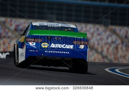 September 27, 2019 - Concord, North Carolina, USA: Chase Elliott (9) practices for the Bank of America ROVAL 400 at Charlotte Motor Speedway in Concord, North Carolina.