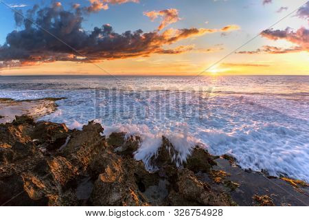Sunset from Ko Olina beach park, Oahu, Hawaii, USA