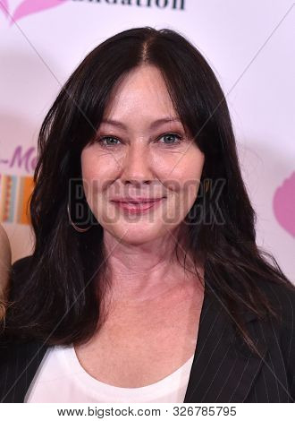 LOS ANGELES - SEP 06:  Alana Stewart and Shannen Doherty arrives for the Farrah Fawcett Foundation's