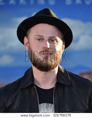 LOS ANGELES - OCT 07:  Bobby Berk arrives to the Netflix premiere of