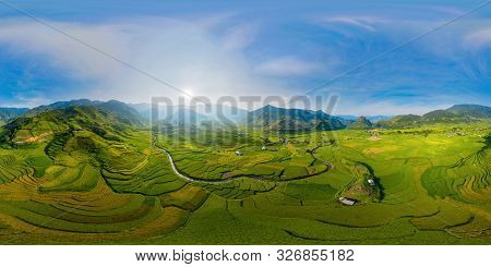 360 Panorama By 180 Degrees Angle Seamless Panorama View Of Paddy Rice Terraces, Green Agricultural
