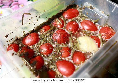 Pickle Tomatoes In Brine