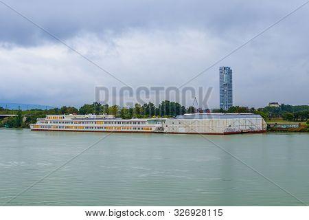 Vienna, Austria - September 2, 2019: Bertha-von-suttner-gymnasium On Danube River And Floridotower I