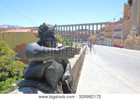 Segovia Spain - May 29, 2019: Selfie Statue And Cityscape Segovia Spain