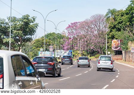 Campo Grande - Ms, Brazil - July 4, 2021: Car Traffic On The Nelly Martins Avenue, Large Avenue Of T