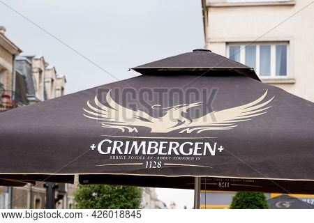 Bordeaux , Aquitaine France  - 07 04 2021 : Grimbergen Belgian Abbey Beers Sign Text And Logo Bar Br