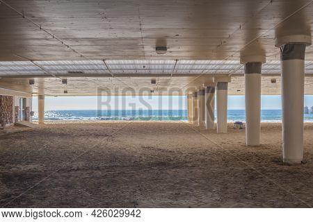 Boardwalk Concrete Bridge At Humewood Beach, Port Elizabeth In South Africa - Popular Swimming Beach