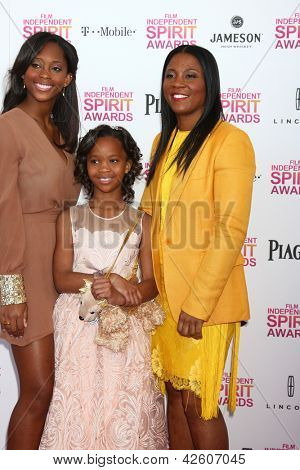 LOS ANGELES - FEB 23:  Actress Quvenzhane Wallis, mother and sister attend the 2013 Film Independent Spirit Awards at the Tent on the Beach on February 23, 2013 in Santa Monica, CA