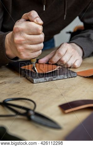 Craftsman Machines Edge Of Natural Stuff Workpiece Use Professional Curly Knife. Leather Workshop