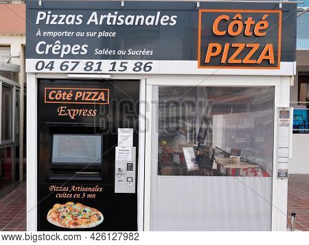 Bordeaux , Aquitaine France  - 07 04 2021 : Cote Pizza Logo Brand And Sign Text Express Automatic Di