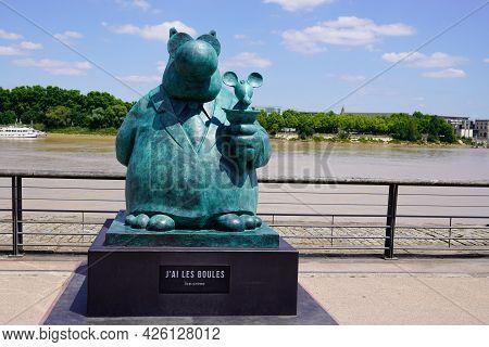 Bordeaux , Aquitaine France  - 07 04 2021 : Exhibition Le Chat Deambule The Cat Walks Mouse In Ice C