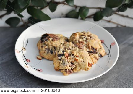 Cookie, Cooky Or Almond Cookie Or Chocolate Cookie For Serve