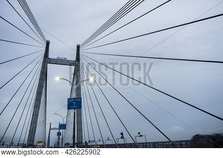 Howrah, West Bengal, India - 4th August 2020 : 2nd Hoogly Bridge, Vidyasagar Setu At Blue Hour. Mons