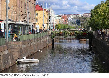 Gothenburg, Sweden - August 26, 2018: Canals And Bridges Of Gothenburg, Sweden. Gothenburg Is The 2n