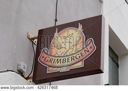 Bordeaux , Aquitaine France  - 07 04 2021 : Grimbergen Belgium Abbey Beers Sign Logo Bar Text Brand