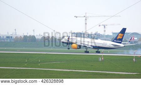 Munich, Germany - 11 October 2015: Icelandair Boeing 757 With The Aircraft Registration Tf-isk In Th