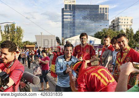 Donetsk, Ukraine - June 27, 2012: Spanish Fans In Donetsk Before The Semi-final Match Of Uefa Euro 2