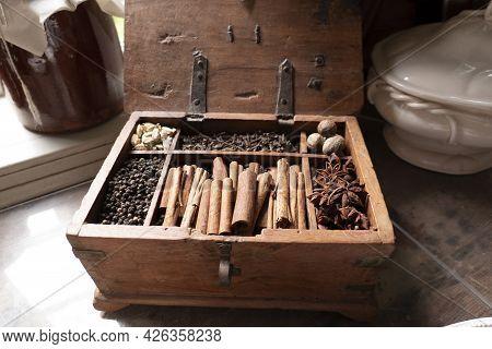 Spice In Wood Box Cinnamon Seasoning Spice