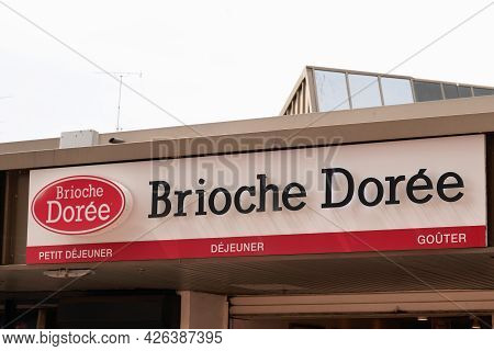Bordeaux , Aquitaine France  - 07 04 2021 : Brioche Doree Logo Brand And Text Sign Store Front Of Ba