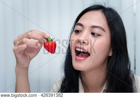 Woman Eat Strawberry Red Berry Fruit Sweet Juicy